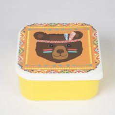 Une jolie boîte rétro en plastique pour bien conserver le goûter dans son cartable.