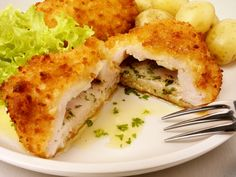 Welcome to my Slimming World version of the Chicken Kiev Recipe. I absolutely love chicken kievs. They were a favourite growing up and I would often have t Slimming World Chicken Kiev, Slimming World Dinners, Slimming World Recipes Syn Free, Slimming World Diet, Slimming Eats, Healthy Eating Recipes, Cooking Recipes, Chicken Kiev Recipe, Sliming World