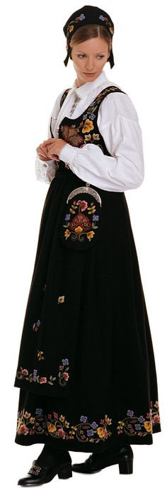 """Black """"Gudbrandsdalen festbunad"""" with apron from Gudbrandsdalen Oppland Norway Ethnic Outfits, Ethnic Clothes, Folk Costume, Costumes, Norse Vikings, Platinum Blonde, Traditional Dresses, Norway, People"""