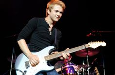 Hunter Hayes. <3 Cant wait to see him in concert!!! :D
