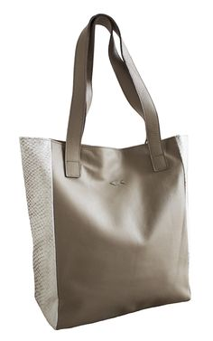 LAKSI - New Norwegian handbag brand Bags, Fashion, Purses, Moda, Fashion Styles, Taschen, Totes, Hand Bags, Fashion Illustrations