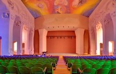 The Goetheanum, located in Dornach (near Basel), Switzerland, is the world center for the anthroposophical movement. The building was designed by Rudolf Steiner and named after Johann Wolfgang von. Organic Architecture, Concept Architecture, Amazing Architecture, Architecture Design, Fair Oaks California, Lazure Painting, Rudolf Steiner, Retro Interior Design, Cool Art