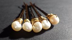 Hey, I found this really awesome Etsy listing at https://www.etsy.com/il-en/listing/247822465/ivory-white-freshwater-pearls-bobby-pins