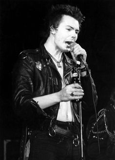 UNITED KINGDOM - JANUARY 01: Photo of Sid VICIOUS; (Photo by Kerstin Rodgers/Redferns