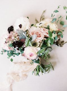 pink wedding bouquet - photo by Allison Kuhn Photography http://ruffledblog.com/this-calligraphers-wedding-is-elegant-bliss