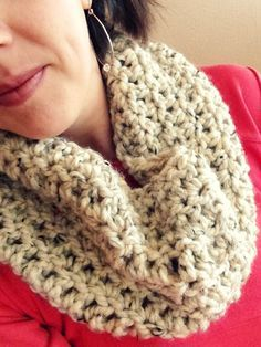 Spunky Chunky Crochet Cowl @Yaffa Rasowsky and Takes.com. Great tutorial. Easy one day (or less) project.