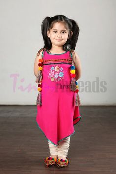 latest designs of kids summer cloths kids dresses by tiny threads and nishat linen,kids summer dresses stitching and pics,girls cloths Baby Girl Frocks, Kids Frocks, Frocks For Girls, Kids Summer Dresses, Dresses Kids Girl, Girl Outfits, Baby Dresses, Prom Dresses, Wedding Dresses