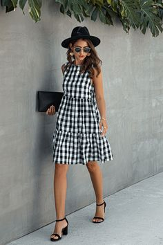Plaid Dress, Plaid Outfits, Fashion Outfits, Women's Fashion, Dot Dress, Dress Me Up, Dress Skirt, Most Beautiful Dresses, Nice Dresses