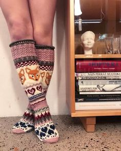 Knitting Patterns Socks Repositories (as pdf-files for e-mail) Wool Socks, My Socks, Knee Socks, High Socks, Knitting Charts, Knitting Socks, Knitting Patterns, Knitting Ideas, Patterned Socks