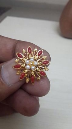 Gold Jhumka Earrings, Jewelry Design Earrings, Gold Earrings Designs, Gold Ring Designs, Gold Bangles Design, Gold Jewellery Design, Gold Jewelry Simple, Coral Jewelry, Jewelry Patterns