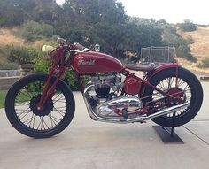 """lowbrowcustoms: """"Left side of Steve's bike. Classic and perfect style. @steviecab #thompsonscycles #triumph #preunit @thompsonscycles """" Triumph"""