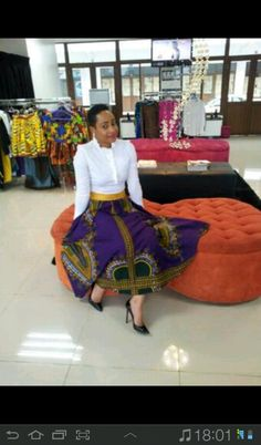 love the outfit African Dresses For Women, African Print Fashion, African Attire, African Wear, African Fashion Dresses, African Women, African Prints, African Style, African Print Dress Designs