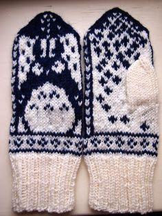 Tanssivat kädet - Dancing hands: Joululahjoja - Christmas presents Knit Mittens, Totoro, Christmas Presents, Knitting Projects, Socks, Dancing, Crochet, Blog, Crafts