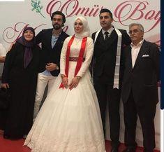 Celebrity Gossip, Wedding Dresses, Celebrities, Cute, Drama, Turkey, Fashion, Bride Dresses, Moda