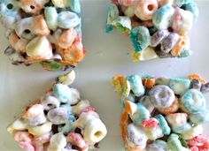 Cereal Bar Recipes: Treats That Go Beyond Rice Krispies OMG!!!! Rice Krispy Treats Recipe, Rice Crispy Treats, Krispie Treats, Rice Krispies, Froot Loops, Cereal Treats, Cereal Bars, Cereal Recipes, Snack Recipes