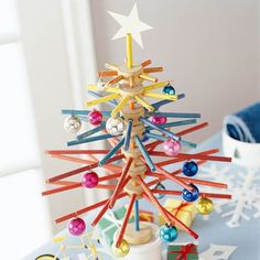 Tinkertoy Tree: What a cute way to repurpose a toy into a cute holiday decoration