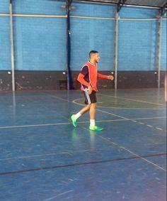 Alegria de jogar futebol.