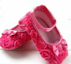 Pink Mary toddler baby girl Flower shoes size 2 3 by fromcreative Little Girl Shoes, Cute Little Girls, Girls Shoes, Girls Footwear, Crib Shoes, Baby Shoes, Flower Dance, Flower Shoes, Girly Things
