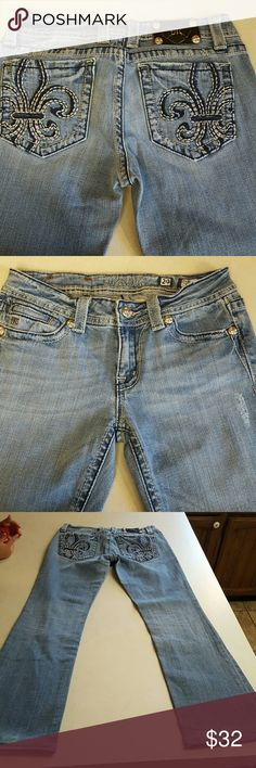 Miss Me Boot Cut Jeans Size 29x29 Miss Me jeans already hemmed up for you!  No stains or fraying hems. Miss Me Jeans Boot Cut