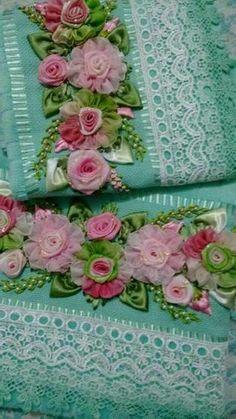 Wonderful Ribbon Embroidery Flowers by Hand Ideas. Enchanting Ribbon Embroidery Flowers by Hand Ideas. Hand Embroidery Patterns Flowers, Silk Ribbon Embroidery, Floral Embroidery, Ribbon Art, Ribbon Crafts, Bathroom Crafts, Towel Crafts, Embroidery Fashion, Flower Tutorial