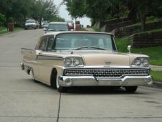 Klasszikus Amerikai Autók fotóblog - Ford Galaxie 1959