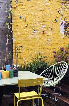 The Most Recent Exterior Wall Paint Images Tips, 10 Tips For Adding Layer . Outdoor Spaces, Outdoor Living, Outdoor Decor, Back Gardens, Outdoor Gardens, Colorful Garden, Garden Inspiration, Garden Furniture, Balcony Garden