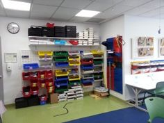 1000 images about maker space in the classroom on for Apartment makerspace