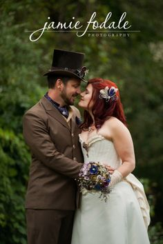 Second round of amazing wedding photos! Hopefully they are all here this time! Steampunk Wedding, Modern Victorian, Steampunk Fashion, Playing Dress Up, Unique Weddings, Rockabilly, Wedding Photos, Alternative, Goth