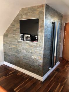 Burning forest multi brick slate veneer wall covering. Natural Stone Cladding, Feature Walls, Stone Veneer, Slate, Natural Stones, Interior And Exterior, Brick, Home Decor, Chalkboard