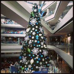 Christmas Tree at Millennium Mall. Árbol de Navidad Millennium Mall  2013