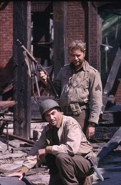 Combat aired on ABC from starring Rick Jason as Lt Gil Hanley and Vic Morrow as Sergeant Chip Saunders Best Tv Shows, Favorite Tv Shows, Tv Vintage, 1960s Tv Shows, Tv Set Design, Old Shows, Old Tv, Classic Tv, The Good Old Days