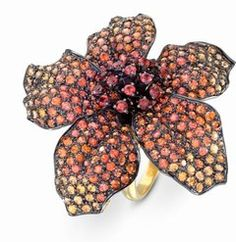 Yellow gold and orange sapphire ring: Hibiscus by Lydia Courteille - Floral jewellery and flower jewels