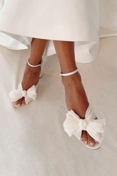 Elegant Wedding Hair, Dream Wedding Dresses, Wedding Shoes, Simple Outfits, Chic Outfits, Ribbon Sandals, Edgy Chic, Shower Dresses, Walk This Way