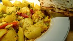 ..von Salbei und Sartre: Leckeres Gemüsecurry mit Chapati Chapati, Potato Salad, Potatoes, Ethnic Recipes, Food, Sage, Meal, Potato, Essen