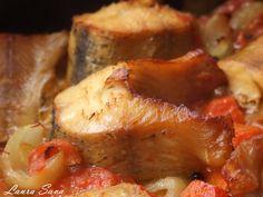 Sushi, Romanian Food, Tasty, Yummy Food, Fish Recipes, Seafood, Pork, Food And Drink, Vegetarian