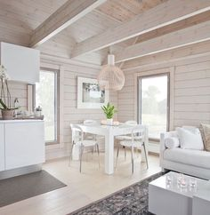 This is a very white design, but the simplicity is very Scandinavian modern. Urban Outfiters Bedroom, Log Home Interiors, Modern Log Cabins, Log Cabin Designs, Wooden House, House In The Woods, Log Homes, Beautiful Interiors, Home Interior Design