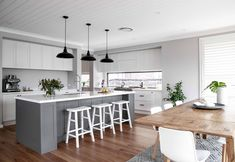 Dreamy kitchen from our Signature by Metricon customer home. design hamptons Kitchen - Metricon Customer Home - Candice and Jeremy Kitchen On A Budget, Home Decor Kitchen, New Kitchen, Home Kitchens, Rustic Kitchen, Kitchen Cabinet Design, Interior Design Kitchen, 2 Colour Kitchen Cabinets, Kitchen Counters