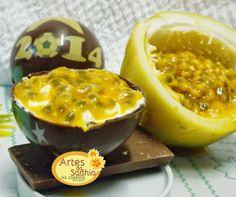 Artes da Sadhia na cozinha : Bola da copa de chocolate com transfer Stalden Decor com trufa batida de maracujá de colher