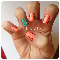 Spotty nails with a twist