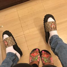 """If I got the gucciflipflops im Coppin my bitch the same shit to we chasing the bag together™ "" Black Relationship Goals, Couple Goals Relationships, Black Couples Goals, Cute Couples Goals, Matching Couple Outfits, Matching Couples, My Sun And Stars, Bae Goals, Black Love"