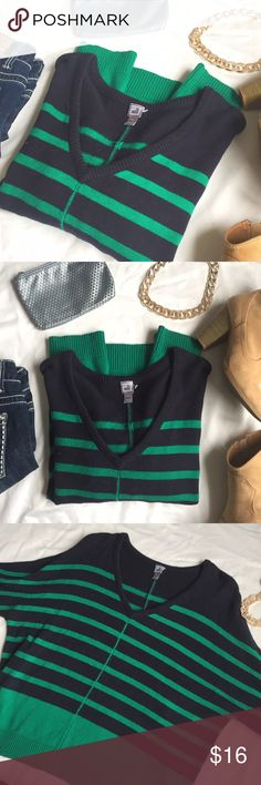 JC Penney green and navy dolman stripe sweater Gorgeous colors and cute dolman sleeves (elbow length). This is a great basic that can be dressed up or down with slacks or jeans. Great multi purpose sweater that's a medium knit. NEW without tags (clear tag hanger still attached, just no tag). jcpenney Sweaters