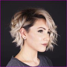 50 Very Short Pixie Cuts for Fine Hair 2019 Check out these 50 Very Short Pixie Cuts for Fine Hair Short layered haircuts fine hair, and Short hairstyles for fine hair and round faces Short Hair Cuts For Round Faces, Long Pixie Cuts, Round Face Haircuts, Pixie Cut Round Face, Pixie Haircut Round Face, Long Pixie Bob, Women Pixie Cut, Bob Haircuts, Grown Out Pixie Cut