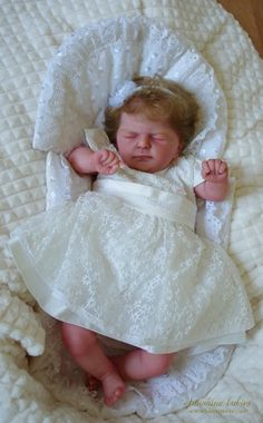 EVELINE: Ellis - Olga Auer: Dolls as Live Made with Love SUNSHINE BABIES Reborn dolls Reborn Dolls, Bassinet, Sunshine, Babies, Live, Gallery, Decor, Decorating, Baby Crib