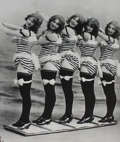 vintage everyday: Burlesque Troupe, ca. 1907