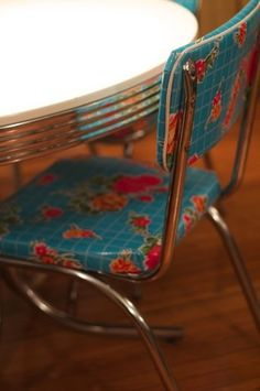 awesome oilcloth cover on this chrome chair