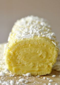 Lemon Roll C is one of my favorite desserts but I do not have it … - Quick and Easy Recipes Sweet Recipes, Cake Recipes, Dessert Recipes, Delicious Desserts, Yummy Food, Different Cakes, Love Food, Sweet Tooth, Food And Drink