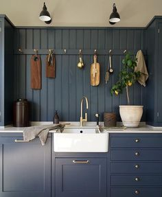 This lovely kitchen is from in the new color ocean blue from Kvänum. Farmhouse Kitchen Inspiration, Kitchen Inspirations, Rustic Modern Kitchen, Kitchen Plans, Kitchen Remodel, Kitchen Decor, Victorian Kitchen, Home Kitchens, Modern Traditional