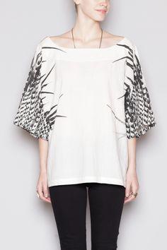 the feather print on this kimono top. Fashion Brand, Womens Fashion, Dress Me Up, Style Guides, Kimono Top, Kimono Style, What To Wear, Fashion Looks, Zara