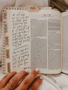Ruth Bible, Bible Art, Bible Verses, Scriptures, Bibel Journal, Bible Doodling, Bible Study Journal, Bible Notes, Study Notes