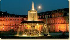 stuttgart_palace_fountain at night
